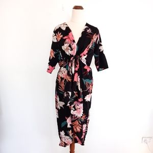 Serafina Size XS Black Floral Dress